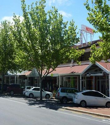 Adelaide Travellers Inn photos Exterior