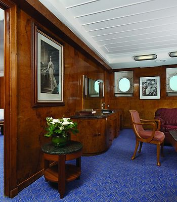 Queen Mary photos Room