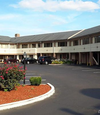 Days Inn Levittown Bristol photos Exterior