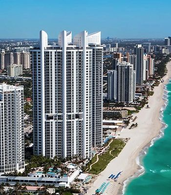 Private Oceanfront Apartments In Sunny Isles Beach ! photos Exterior Hotel information