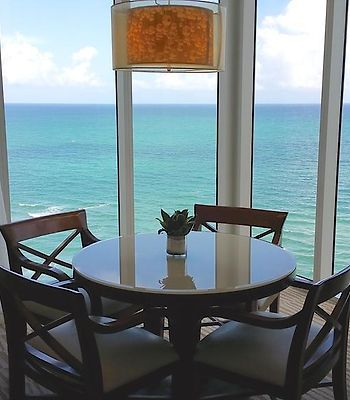 Private Oceanfront Apartments In Sunny Isles Beach ! photos Exterior