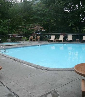 Hampton Inn Gatlinburg photos Facilities Outdoor Pool