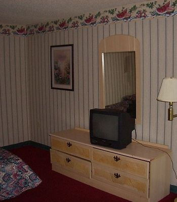 Guest Inn Dalton photos Room GuestInn Dalton GA Bed