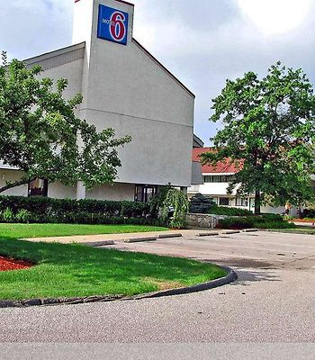 Motel 6 Akron photos Amenities exterior