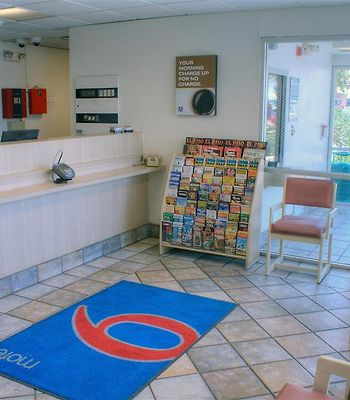 Motel 6 El Paso Central photos Interior m  lobby