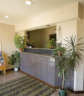 Americas Best Value Inn-Albany / East Greenbush photos Interior Front Desk