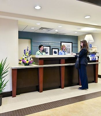 Hampton Inn & Suites Ft. Lauderdale West-Sawgrass/Tamarac, F photos Interior Front Desk
