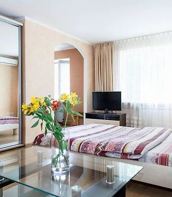 Apartment In Zaporozhye. Antica photos Exterior One Bedroom Suite near Intourist