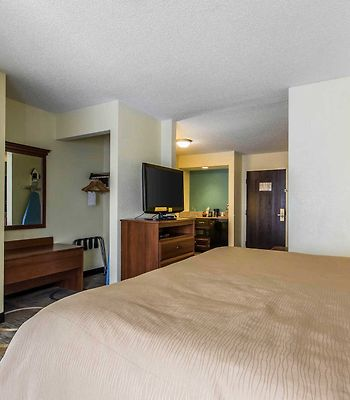 Quality Inn & Suites Memphis photos Room Suites/Speciality Rooms
