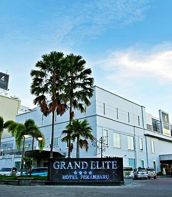 Grand Elite Hotel Pekanbaru photos Exterior Grand Elite Hotel Pekanbaru