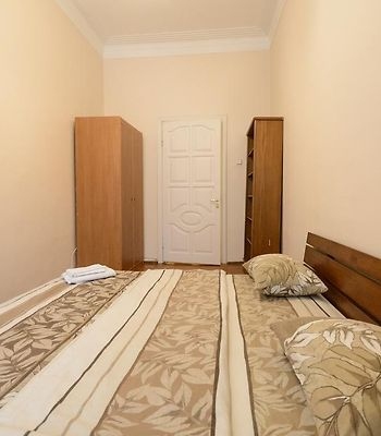 Kiev Accommodation Apartment On Kruglouniversitetska St. photos Exterior Hotel information