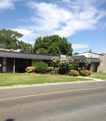 Cobram Colonial Motor Inn photos Exterior Cobram Colonial Motor Inn