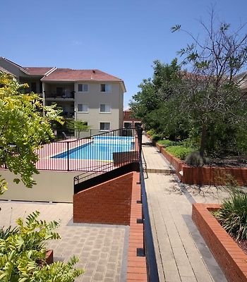 Boutique Properties Canberra Deluxe Two Bedroom Apartment Manuka photos Exterior Hotel information