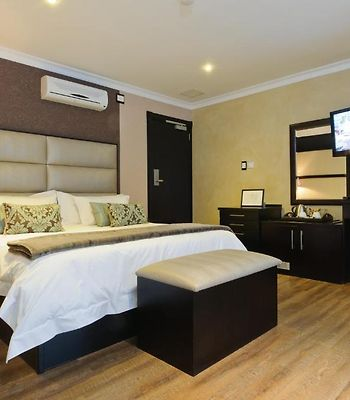 Executive Suites At 555 photos Room