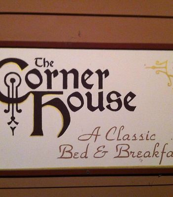 The Corner House Bed & Breakfast photos Exterior Hotel information