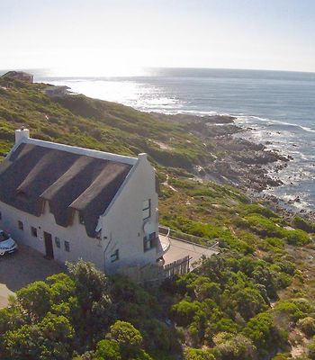 Whale Huys Luxury Ocean Holiday Villa photos Exterior Hotel information