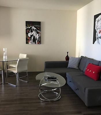 Sunset Strip 1-Bedroom With Balcony, Pool And Views photos Exterior