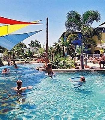 Nomads Cairns photos Exterior Hotel information