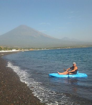 Amed Beach Villa photos Exterior Hotel information
