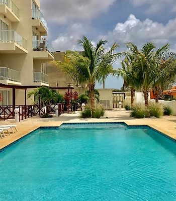 Large Luxury Apartment On Palm Beach photos Exterior Hotel information