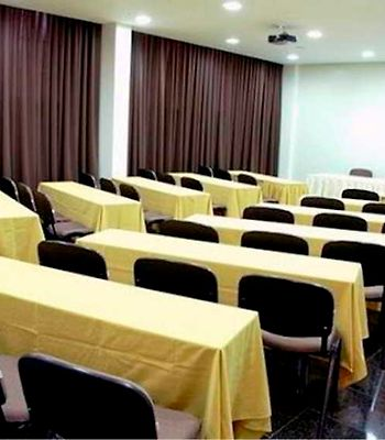 Comfort Hotel Goiania photos Business