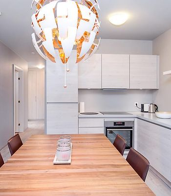 Luxurious In The Heart Of Downtown. photos Room