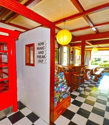 Ducks & Drakes Boutique Motel & Backpackers photos Exterior Hotel information