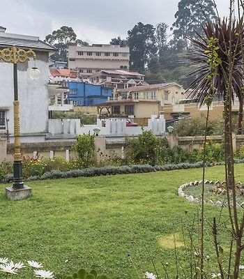 5 Bhk Cottage In Stone House, Ooty, By Guesthouser photos Exterior 5-BR cottage with a hilly view, by GuestHouser
