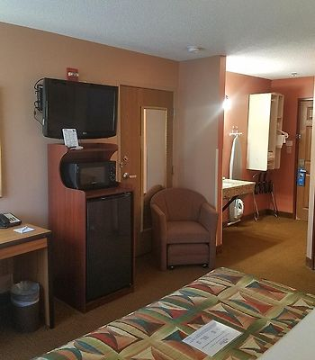 Baymont Inn & Suites Sullivan photos Exterior Hotel information