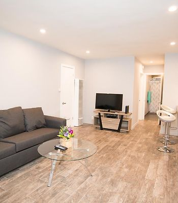 E421 Beautiful One Bedroom In Heart Of Hollywood photos Exterior E421