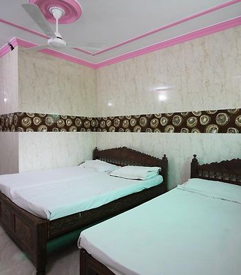 Delux Stay At Hazrat Nizamuddin photos Exterior Hotel information