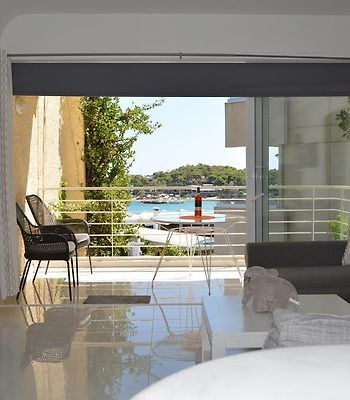 Amazing Sea View- Beach Front Luxury Apartment! photos Exterior Hotel information