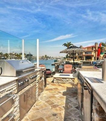 Hb-163 - Huntington Harbor Luxury Four-Bedroom Holiday Home photos Exterior Hotel information