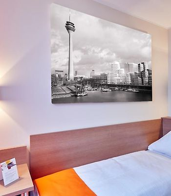 Mcdreams Hotel Wuppertal City photos Exterior Hotel information