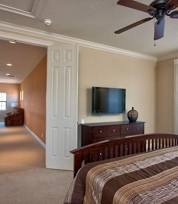 Homestead Reunion Resort -  4 Bedroom Home With Screened Pool And Private Guest Suite Pet Friendly photos Exterior
