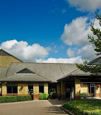 Cheshunt Marriott Hotel photos Exterior Image 1