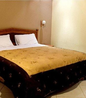 Bait Al Amani Suites photos Room
