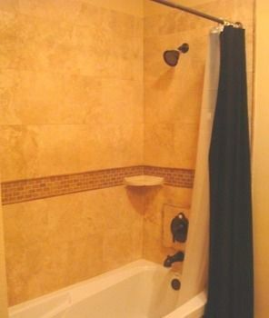 Choo Choo Lofts,  3 Bedroom  2 Bath, Full Kitchen - Lafayette, La photos Exterior Bathroom Shower
