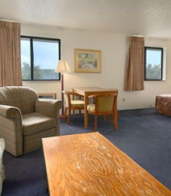 Super 8 - Davenport photos Room Hotel information