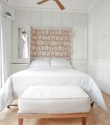 French - Style Cozy Suite In Poho photos Exterior French-style apartment in POHO, Sheung Wan