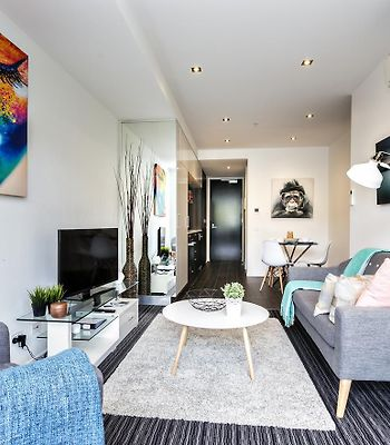 Complete Host Fitzroy St Apartments photos Room