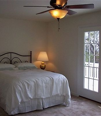 The Baywood Bed And Breakfast photos Room