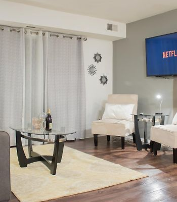 Luxury 2Bed Condo Minutes From Downtown photos Exterior Luxury 2bed Condo Minutes from Downtown