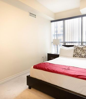 Royal Stays Furnished Apartments-Blue Jays Way photos Room