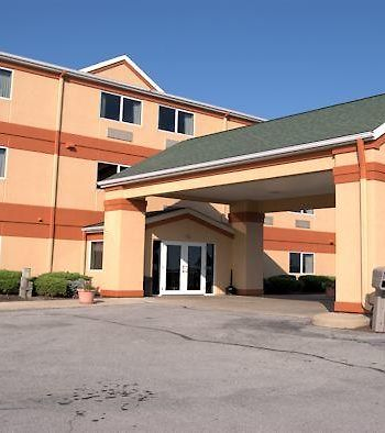 Commodore Perry Inn & Suites photos Exterior Commodore Perry Inn & Suites