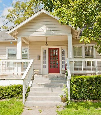Cozy Cottage W/Porch Swing In Trendy 12Th South By Book Urban photos Exterior