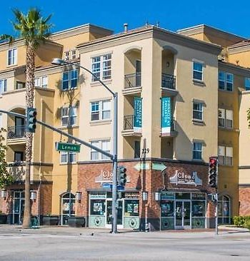 Elevate Stays In Downtown Fullerton photos Exterior Elevate Stays in Downtown Fullerton