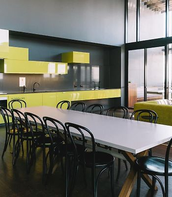 Cosy 2 Bedroom Apartment In Central Melbourne photos Exterior Cosy 2 Bedroom Apartment in Central Melbourne