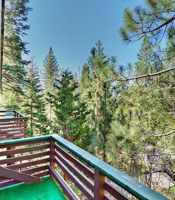 Speckled Tree House Home photos Exterior Speckled Tree House Home