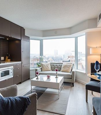 Jet Furnished Suites Yorkville photos Exterior Jet Furnished Suites Yorkville